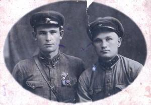 Храпунов Клемент Алексеевич с сослуживцем